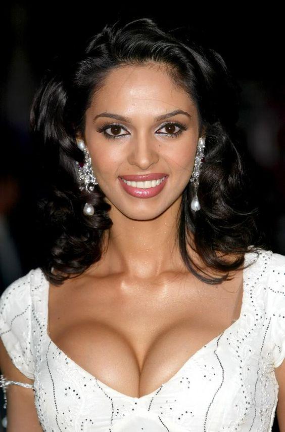 Malika sherawat bikini pics