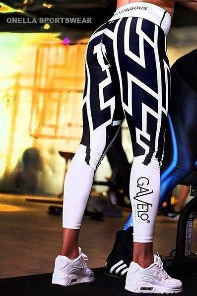 De Gavelo Graphicdreams legging zet je vanzelf aan tot een strak trainingsschema! De combinatie van zwart en wit geven een frisse look en de strakke lijnen accentueren je pluspunten. Achterop de witte tailleband staat 'Gavelo Gorgeous' en het logo van Gavelo staat in het zwart op je rechterkuit. De legging zegt het zelf al; Je bent gorgeous in deze legging van Gavelo! #sportlegging #fitness #dreams