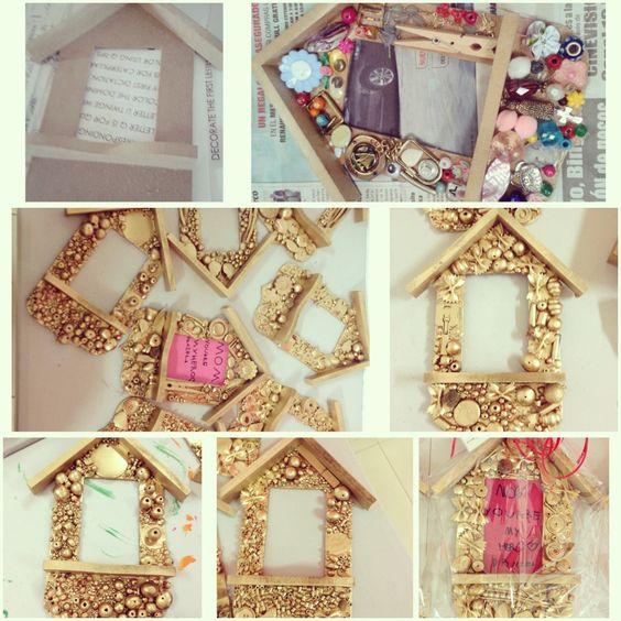 Casita decorada con objetos peque os reciclabes y pintada - Pintura dorada para madera ...