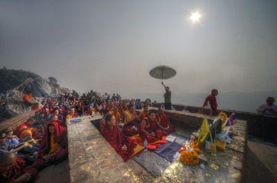 EU FUI para o Pico dos Abutres, em Rajgir, onde Buda recitou o Prajna Paramita, no segundo giro da roda do Dharma. Estive lá há dois anos, e meu espírito teima em voltar para lá sempre que pode...