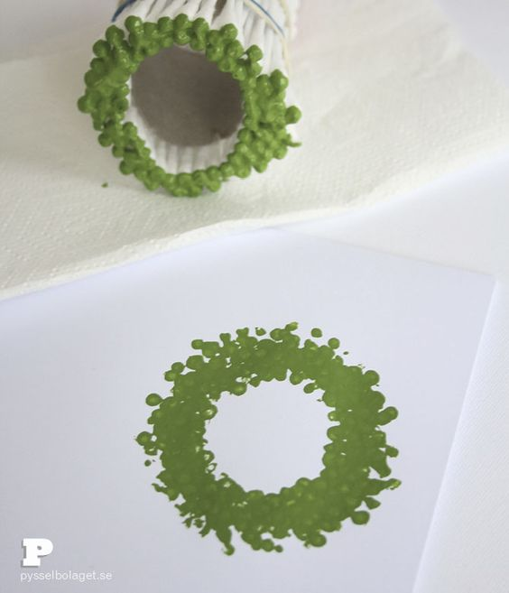 Jultryck med tops   Christmas wreath stamp made from q-tips