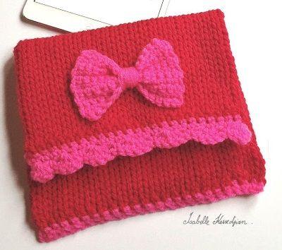Fuente: http://isabellekessedjian.blogspot.com.es/2013/01/housse-pour-mini-ipad-au-tricotin-geant.html