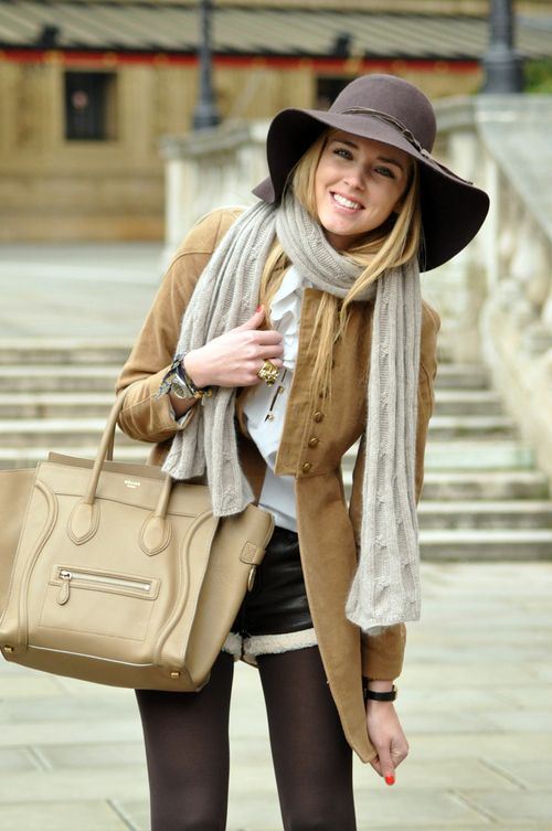 This looks so Sienna Miller!