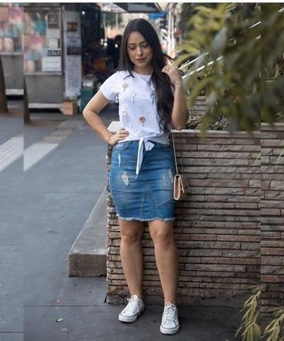 Outfits Con Falda De Mezclilla Que Debes Usar Moda Faldas Ropa De Moda Moda De Ropa
