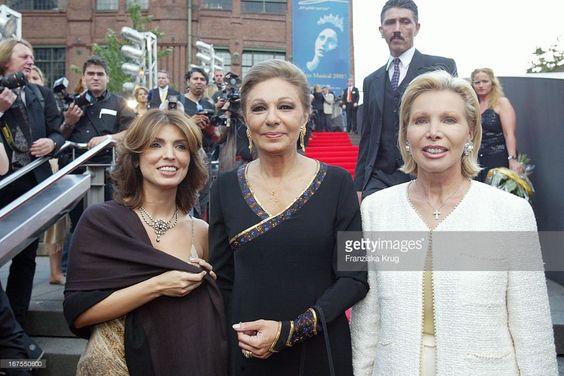 Ex Persische Kaiserin Farah Diba Pahlavi Mit Schwiegertochter Jasmina Und Ute Hennriette Ohoven Beim 10. Jubiläum Des Musicals 'Elisabeth'