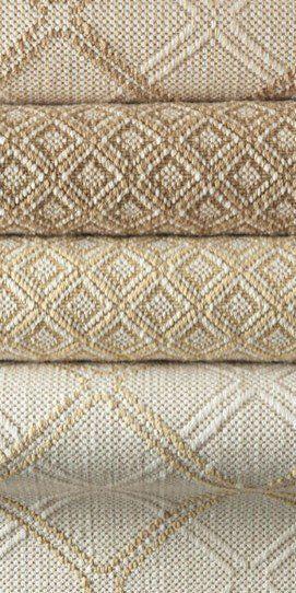 "{""i"":""imgs\/804b5403a12279203027e596049a671f.jpg"",""w"":""271″,""h"":""542″,""l"":""http:\/\/www.houzz.com\/photos\/469599\/Barringer-Trellis-and-Diamond-Flatweave-Carpet-traditional-carpet-flooring-orange-county""}"