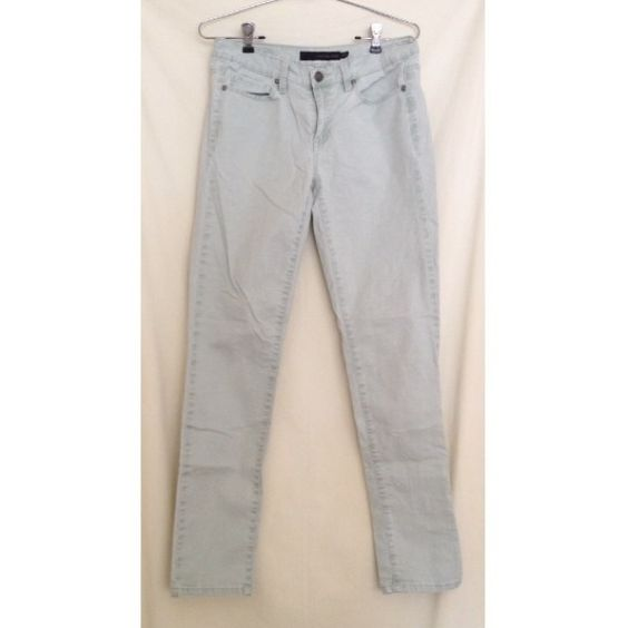 Calvin Klein pale green jeans Ultimate skinny 28/6. Very comfortable and versatile, perfect color for spring! Calvin Klein Jeans Skinny