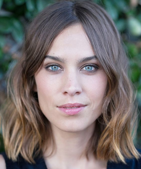Alexa Chung's hairstylist reveals the products and tools he uses to get the star's perfectly tousled beach waves.