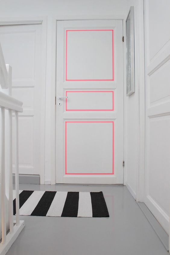 {lined}and a pop of pink!