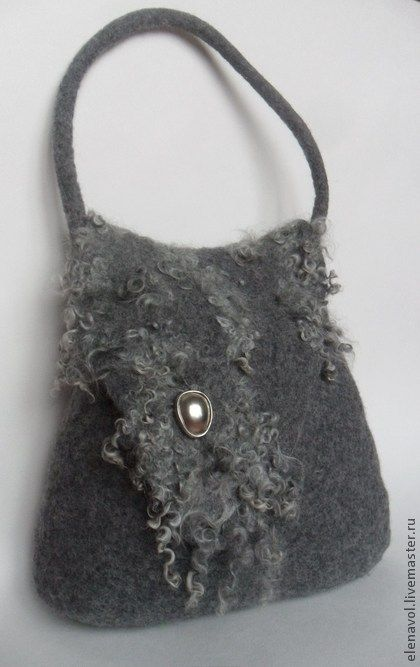felt bag by Yelena Vologdina