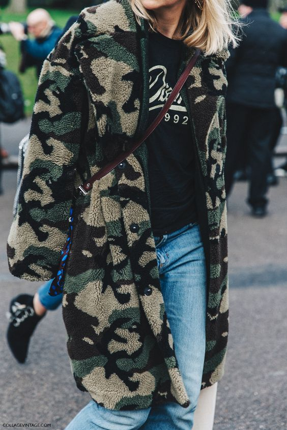 LFW-London_Fashion_Week_Fall_16-Street_Style-Collage_Vintage-Fur_militar_Coat-