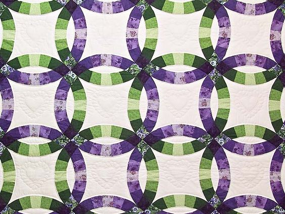 double ring quilt | Double Wedding Ring Quilt -- outstanding skillfully made Amish Quilts ...