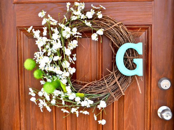 love this spring wreath