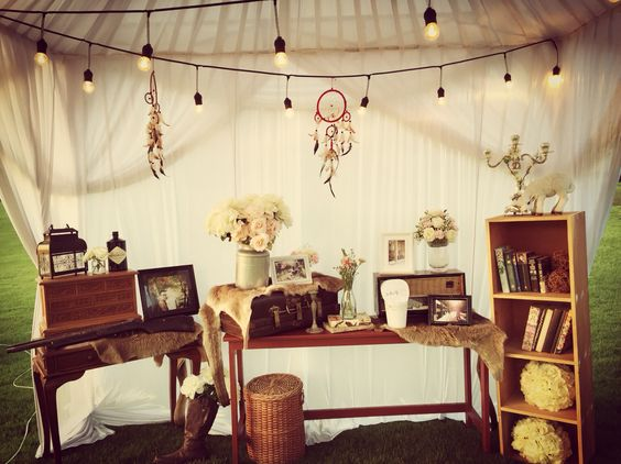 A beautiful country themed wedding table.