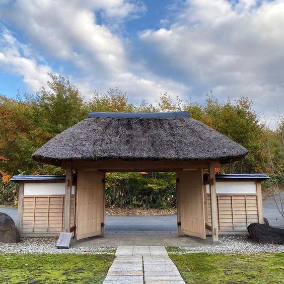いいね 65件 コメント0件 小弓 Kurokoyu のinstagramアカウント 角館のお宿は侘桜さんにしてみました とっても素敵なお宿です 大浴場はなく お部屋のお風呂と貸し切り風呂があるだけなのですが めちゃくちゃ落ち着く良いお In 2020 Outdoor Gazebo
