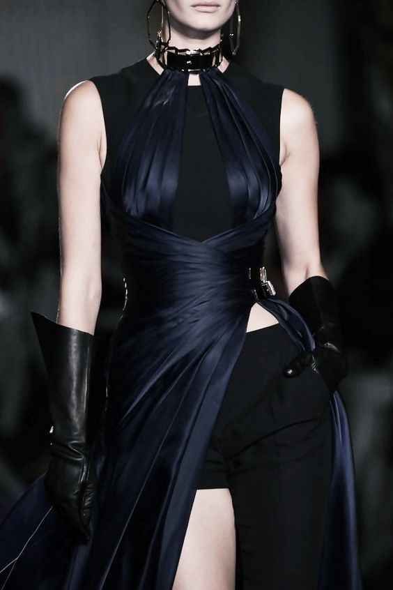 130186:  Atelier Versace Haute Couture Fall 2014