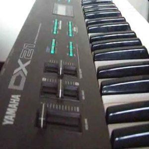 Yamaha DX 21--the DX 7 Lite.