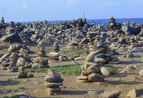 Aruba MUST do #9: Make a wish at the Rock wish garden! Hmm.. but if I am IN Aruba I will have nothing to wish for.... #aioutlet