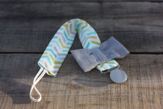 Pacifier Clip// Bow Tie Pacifier Clip// on SALE// by thelilcupcake, $7.50
