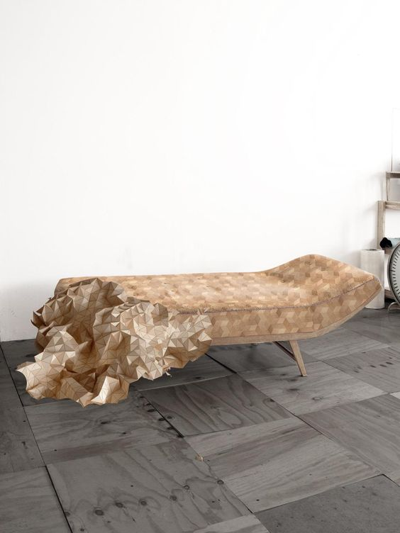 Wooden Textile di Elisa Strozyk