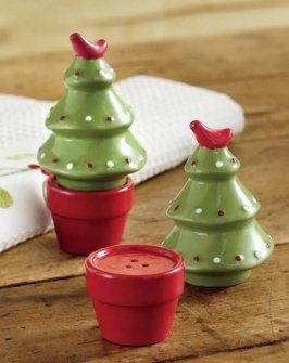 Amazon.com: Tag 651329 Potted Christmas Tree Salt and Pepper Shakers, Red and Green: Kitchen & Dining