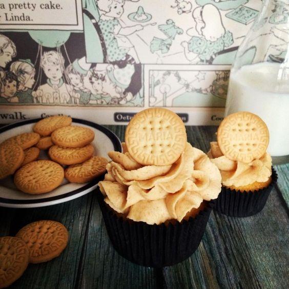 Cupcakes de natillas con crema de galletas María