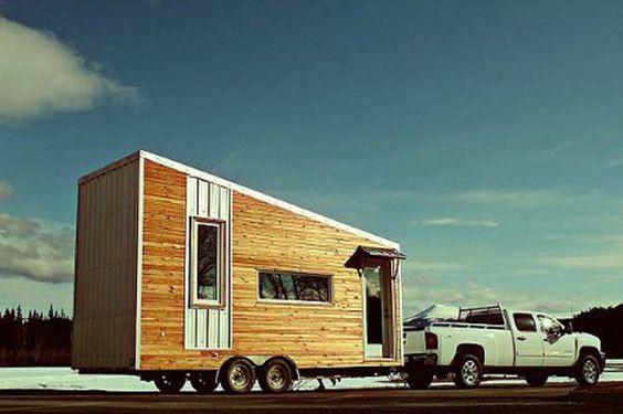 Essa casa sobre rodas não deixa nada a dever a uma residência tradicional, com estrutura resistente e isolamento, em pouco mais de 48m².