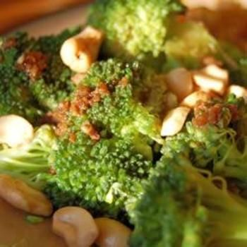 Broccoli with Garlic Butter and Cashews: Recipes Sides, Side Dishes, Broccoli Recipes, Favorite Broccoli, Cashews Allrecipes, Side Dish Recipes, Garlic Butter, Food Recipe, Cashews Recipe