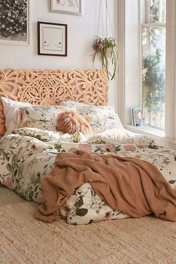 bedroom | home decor | house decoration | antique | bohemian chic | floral bedding | urban outfitters