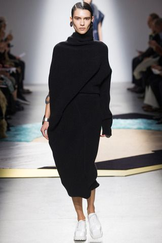 Acne Studios Fall 2014 Ready-to-Wear Collection Slideshow on Style.com
