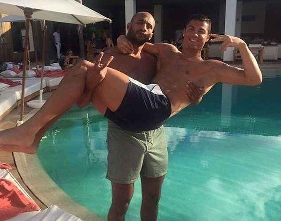 Segundo tabloide, Cristiano Ronaldo vai passar réveillon com lutador marroquino