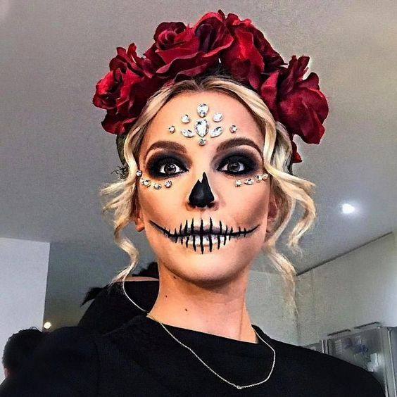 32 Ideas For Beautiful Hairstyles Halloween Makeup Inspiration Halloween Makeup Sugar Skull Halloween Makeup Pretty