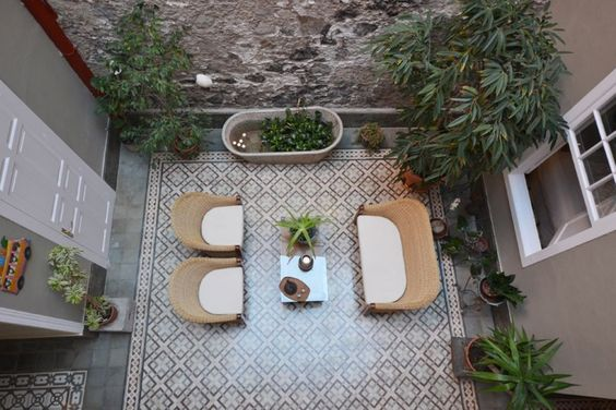 Explore LA CASA DE VEGUETA in Las Palmas de Gran Canaria. Read guest reviews, view photos, and enquire online today with 1BB. www.1bb.com