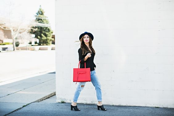TOP: SHOP TOBI JEANS: ZARA (OLD) CUTE HERE, HERE, HERE SHOES: NORDSTROM (OLD) CUTE HERE, HERE, HERE BAG: REBECCA MINKOFF LIPS: RELENTLESSLY RED HAT: URBAN OUTFITTERS PHOTOS BY: JESSA KAE April is here! I can't believe it is almost Summer.…