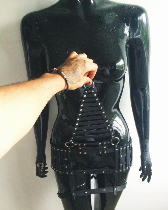 @thempireworld  playin with this #monster  #harness.  #leather #leatherharness #fashionable #fashion #handmade #leathercraft #leathergoods #owl #owltattoo #owls #moda #armor by vladimirandreiescu #tailrs