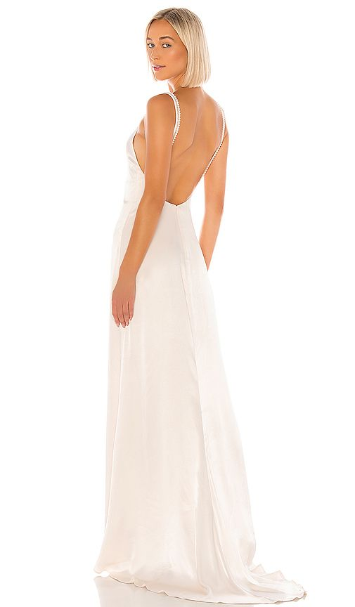 Lovers Friends Ryland Maxi Dress In Ivory Revolve Stylish Wedding Dresses Dresses Bridal Wedding Dresses Revolving stage for wedding superbly complement your shows and deliver a stunning experience similar to none other. pinterest
