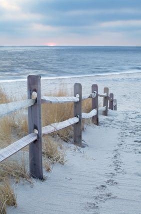 Now what tune should one whistle as they walk along here? Hmmm... Cape May, New Jersey, USA.
