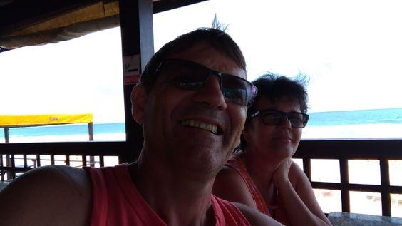 Lourival e Karin, os super anfitriões do VII Erefau em Maceió, marcando presença na praia depois do encerramento do VIII Erefau em Lauro de Freitas, BA - foto do dia 18/08/18.