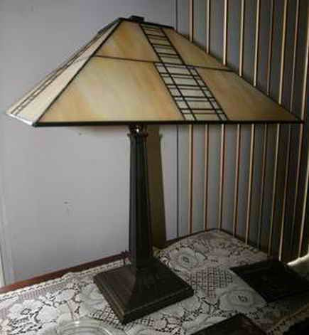 Frank Lloyd Wright Taliesan Style Stained Gl Table Lamp Sg Lamps Pinterest And