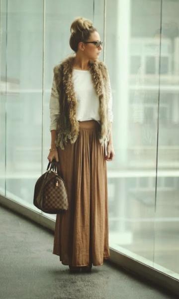 1 Peça 3 Looks: Colete de Pelo + Saia Longa: