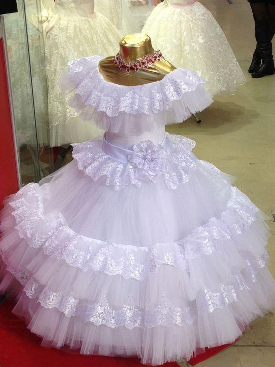Как сшить для девочки красивое пышное платье