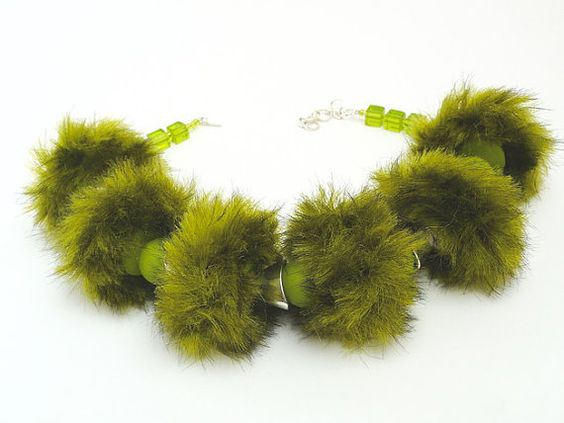 Necklace lime fur fur hand made jewelry flashy Pearl lime glass cube design extravagant silver bead caps