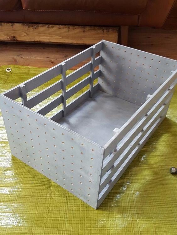 組み立てるだけ セリアの素材で作るインダストリアルbox Limia リミア 犬小屋 Diy 犬小屋 犬の部屋