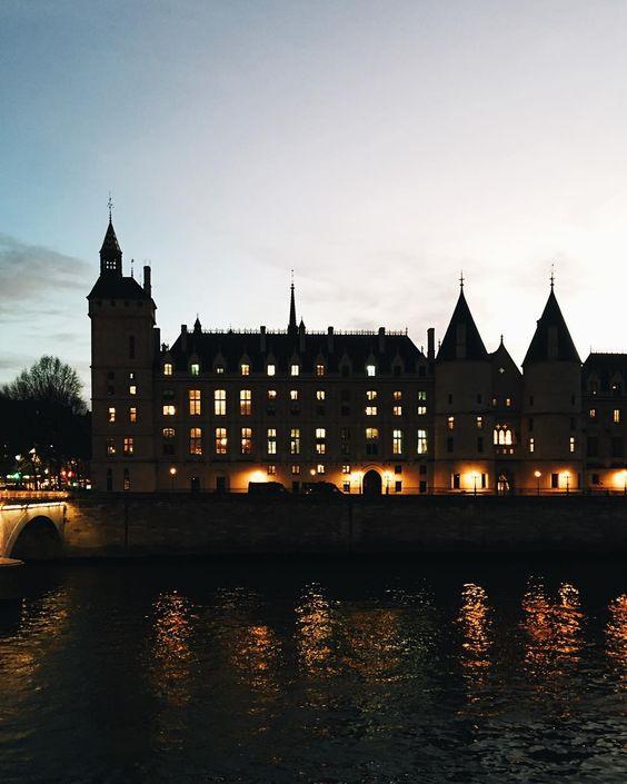 #tourdelhorloge #conciergerie #cite #paris