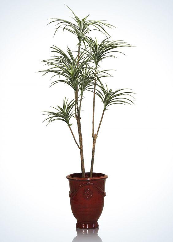 Yucca artificial, Árbol artificial