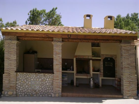 De ladrillo y piedra con tejado de madera y tejas - Tejado de madera ...