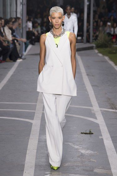 Off White Spring 2019 Ready to Wear Fashion Show in 2020