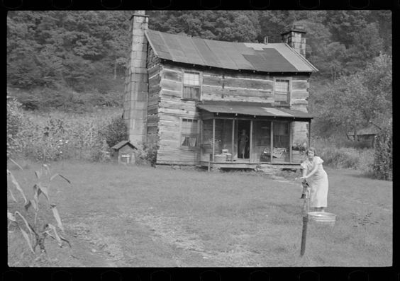 October 1935, Hernshaw, West Virginia. Ben Shahn, Farm Security Administration LC-USF33-006148-M4. The Library of Congress.