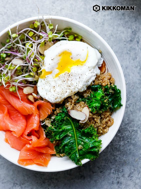 Keto Salmon, Kale and Poached Egg Bowl