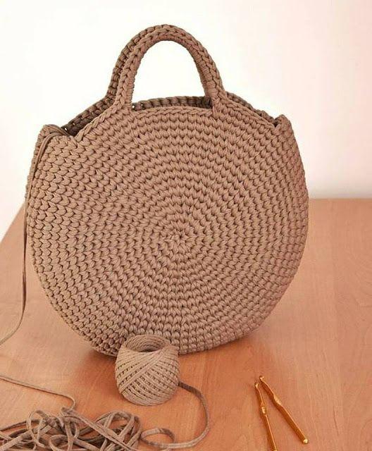 exuberante en diseño estilo de moda de 2019 Códigos promocionales Bolsa tejida en redondo en ganchillo o crochet.   Crochet ...